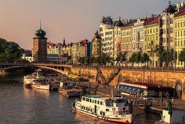 Dluhy českých domácností stouply meziměsíčně o 5,7 miliardy korun, vklady vzrostly o 9,8 miliardy
