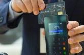 Domácnosti a firmy se loni zadlužily o dalších téměř sto miliard korun
