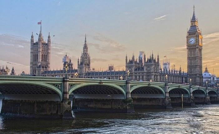 Britské úřady ukončily činnost dalších dvou brokerů binárních opcí