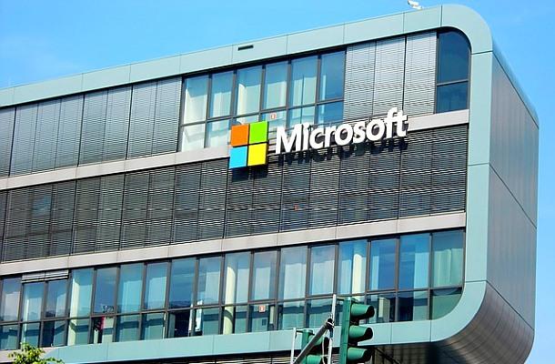 Microsoft dočasně přestal přijímat bitcoin ve svých obchodech