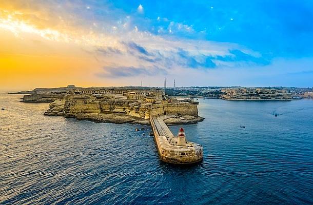 Malta schválila zákony, které otevírají dveře kryptoměnám