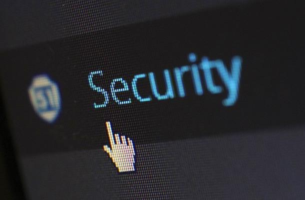 Neporazitelná kryptoměnová burza Binance je další obětí hackerů