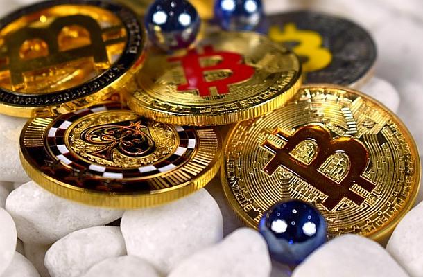 Bitcoin generuje větší emise CO2 než některé státy