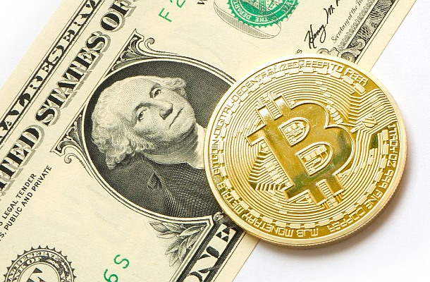 Americký regulátor stále má obavy z manipulací ceny bitcoinu