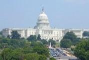 Od účasti na libře Facebooku odrazují firmy přímo američtí senátoři