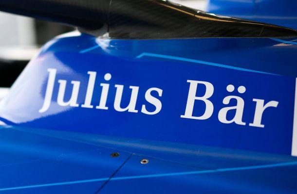 Švýcarská banka Julius Bär začala svým klientům nabízet kryptoměny