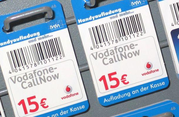 Facebook a jeho libru opustil také Vodafone