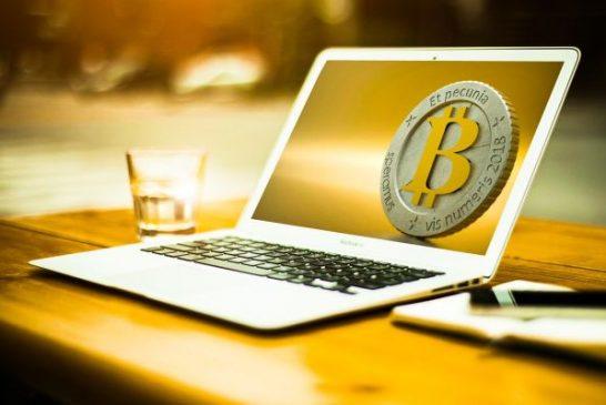 Daly se do pohybu staré bitcoiny, ožil Nakamoto? Nikoliv, domnívají se experti